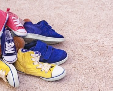 tas de chaussures