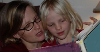 10 bonnes raisons de faire la lecture à votre enfant