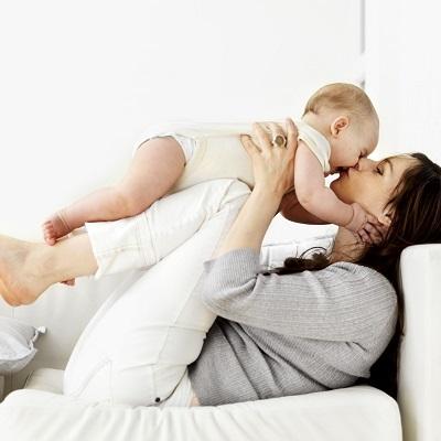 jeux b b s des id es et des conseils pour tous les parents. Black Bedroom Furniture Sets. Home Design Ideas