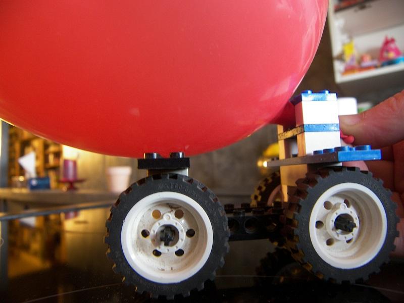 voiture ballon lego