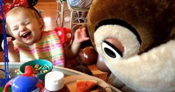 Manger avec des personnages Disney