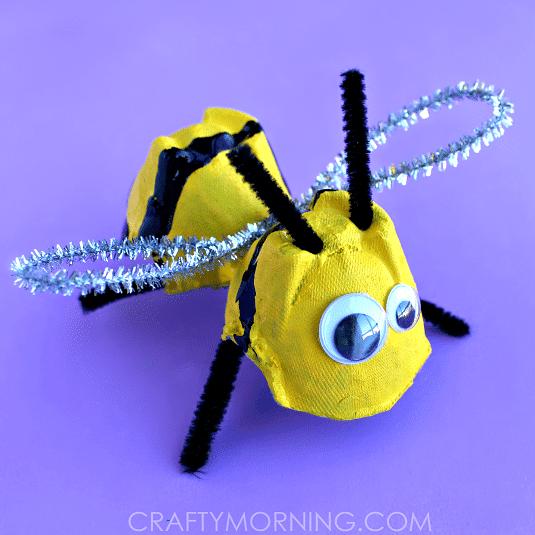 Top Bricolage abeille avec une boîte d'œufs ZW71