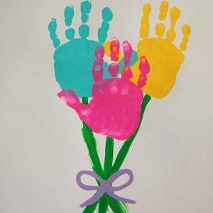 empreintes de main fleurs