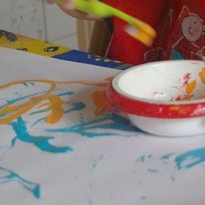peinture sans pinceau enfant