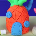 Maison ananas en pâte à modeler