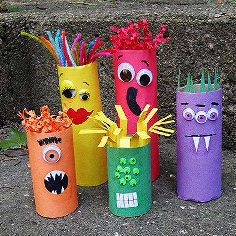Monstres Rouleaux Toilette on halloween recycled bottle monster
