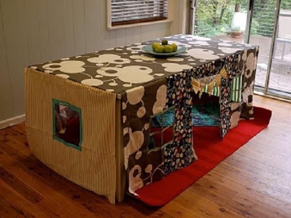 cabane enfant table