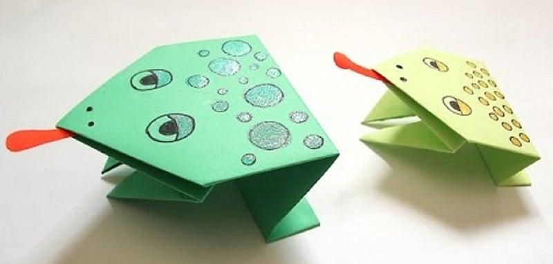 origami grenouille facile qui peut sauter. Black Bedroom Furniture Sets. Home Design Ideas