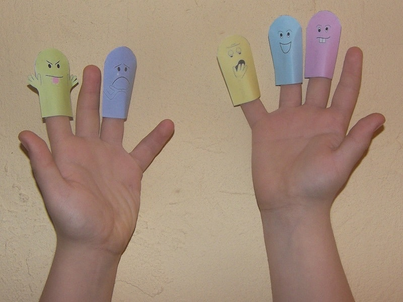 marionnette à doigt en papier