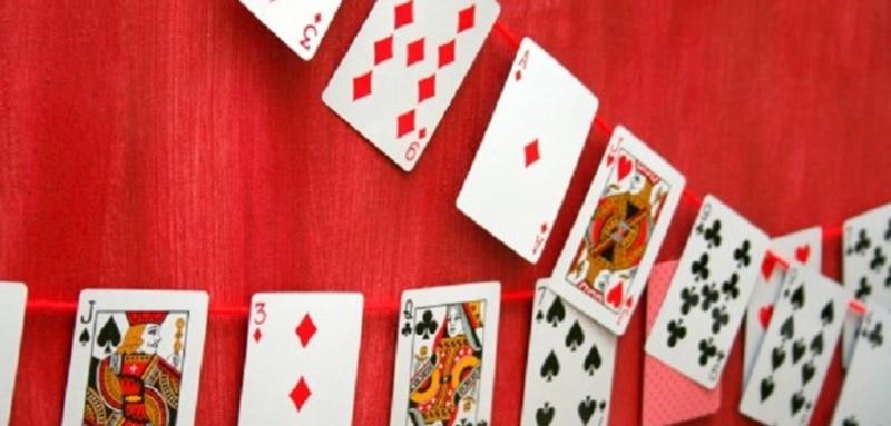 Recycler les cartes à jouer