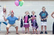 parents heureux rentrée scolaire