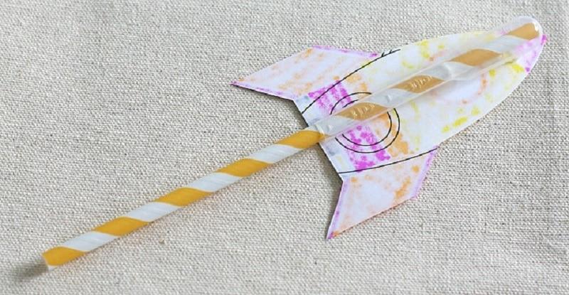 bricolage fusée en papier
