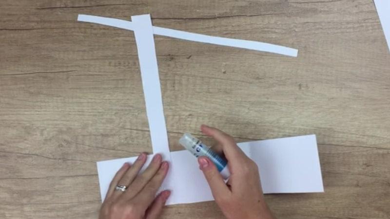 tutorierl main de squelette en papier