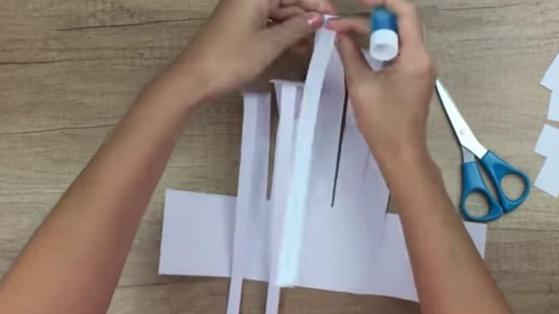 main de suqelette papier