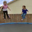 Jeux de trampoline à deux