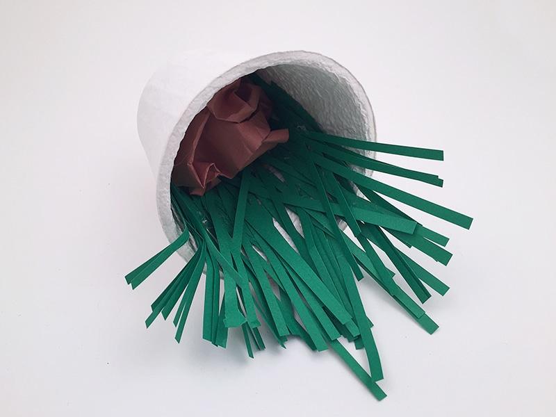 bricolage de paques avec pompon
