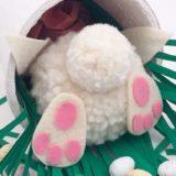 Bricolage de Pâques avec pompon : facile et adorable