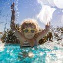 Jeux pour jouer dans la piscine : des idées simples et amusantes