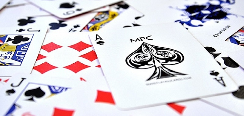 jeu de cartes à plusieurs