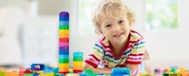 Idées de jouets éducatifs pour un enfant d'âge préscolaire