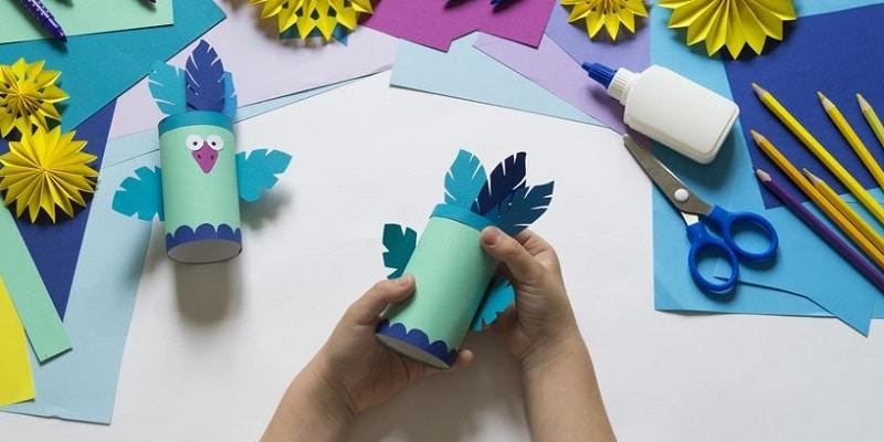 oiseau en rouleau de papier toilette