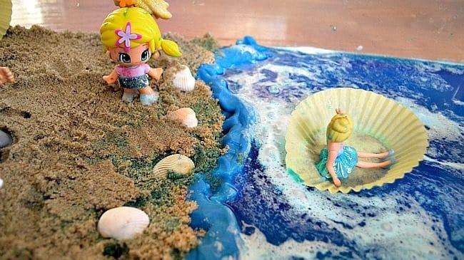 jouer avec du sable