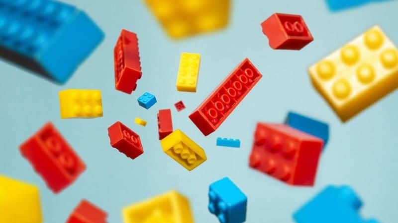 jeu avec des briques lego