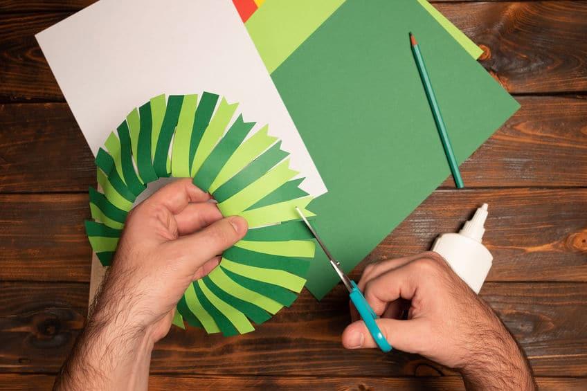 comment fabriquer une couronne de noel en papier