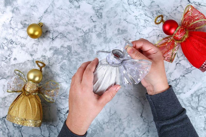faire un ange de noel avec une bouteille