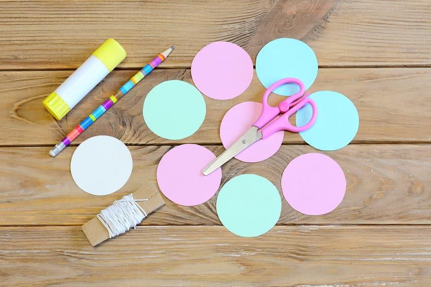 tutoriel faire des boules de noel en papier