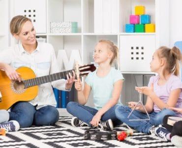 raconter une histoire avec des instruments de musique