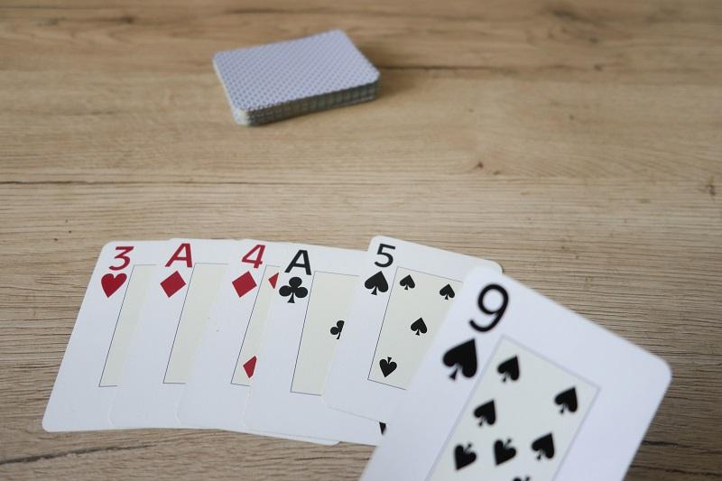 jeu de cartes nombre pi