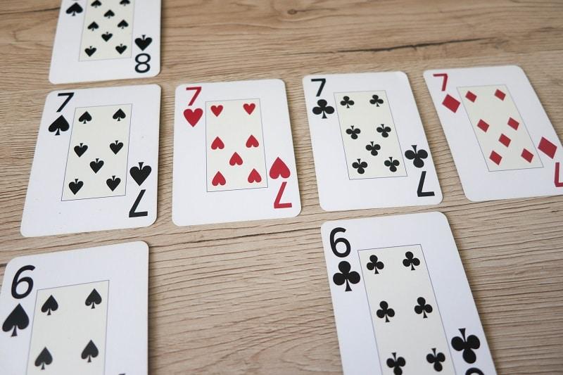 jeu de carte pour développer les mathématiques
